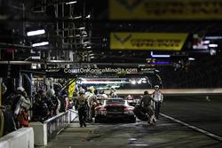 #912 Porsche Team North America Porsche 911 RSR, GTLM: Джанмарія Бруні, Лоренс Вантор, Ерл Бамбер, піт-стоп