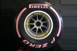 Rueda rosa de Pirelli