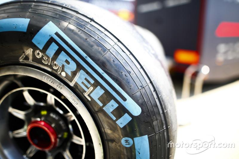 Detail ban Pirelli kompon keras