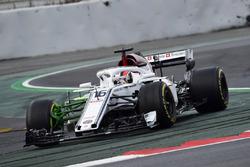 Charles Leclerc, Alfa Romeo Sauber C37, aero paint on front suspension