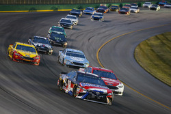 Kyle Busch, Joe Gibbs Racing, Toyota Camry NOS Energy Drink and Ryan Blaney, Team Penske, Ford Fusion DEX Imaging