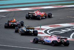 Kimi Raikkonen, Ferrari SF70H, Max Verstappen, Red Bull Racing RB13, Carlos Sainz Jr., Renault Sport F1 Team RS17 ve Esteban Ocon, Sahara Force India VJM10