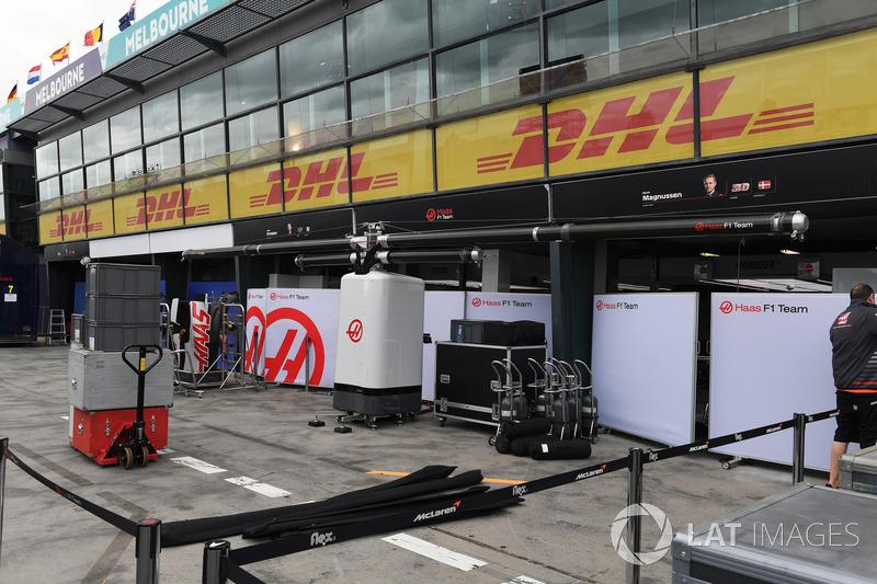 Haas F1 Team preparaciones de pit box