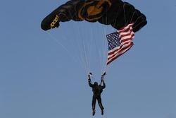 Parachutist