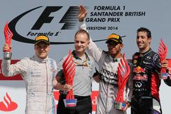 Podium: second placed Valtteri Bottas, Williams, John Owen, Mercedes AMG F1 Chief Designer, Race winner Lewis Hamilton, Mercedes AMG F1, third place Daniel Ricciardo, Red Bull Racing