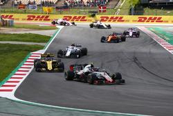 Kevin Magnussen, Haas F1 Team VF-18, Carlos Sainz Jr., Renault Sport F1 Team R.S. 18, Charles Leclerc, Sauber C37, Fernando Alonso, McLaren MCL33, Esteban Ocon, Force India VJM11