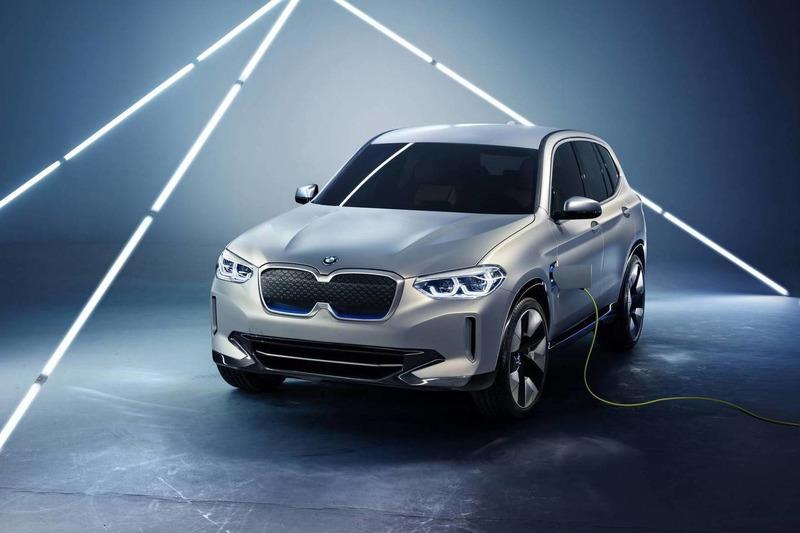 Autó Ebből lesz az elektromos X3: BMW iX3 koncepció