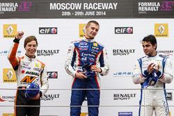 Podyum: Yarış galibi Sergey Sirotkin, Fortec, 2. Zoel Amberg, AVF, 3. Pietro Fantin, International D