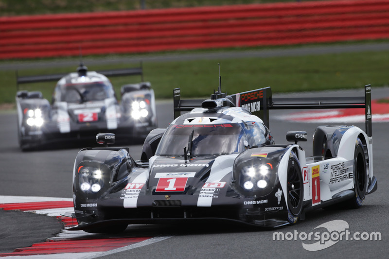 Timo Bernhard, Mark Webber, Brendon Hartley, #01 Porsche Team Porsche 919 Hybrid