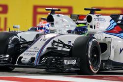 Фелипе Масса, Williams FW38 и Ромен Грожан, Haas F1 Team VF-16 - борьба за позицию