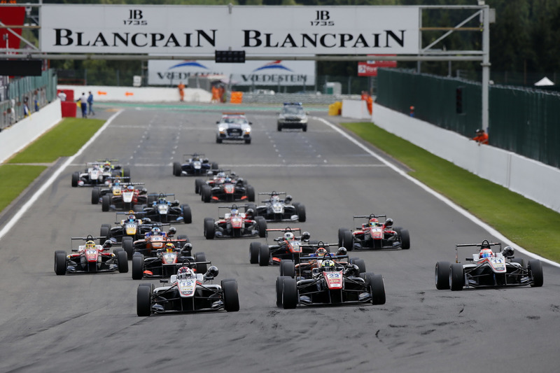 Start of the race, George Russell, HitechGP, Dallara F312 - Mercedes-Benz taking the lead from Joel