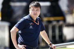 A Toro Rosso Honda team member