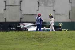 Lewis Hamilton, Mercedes-Benz F1 W08, Q1'de kaza yapıyor