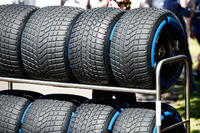 Intermediate tyres in a rack