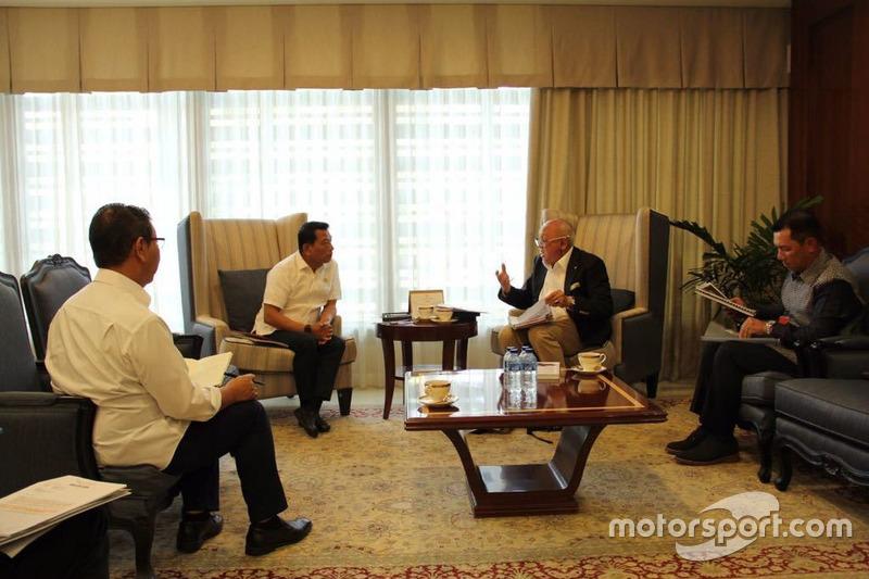 Kepala Staf Kepresidenan (KSP), Moeldoko dan Direktur Sentul, Tinton Soeprapto