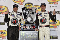 Rodney Childers, Kevin Harvick, Stewart-Haas Racing, Ford Fusion Jimmy John's celebrates his win