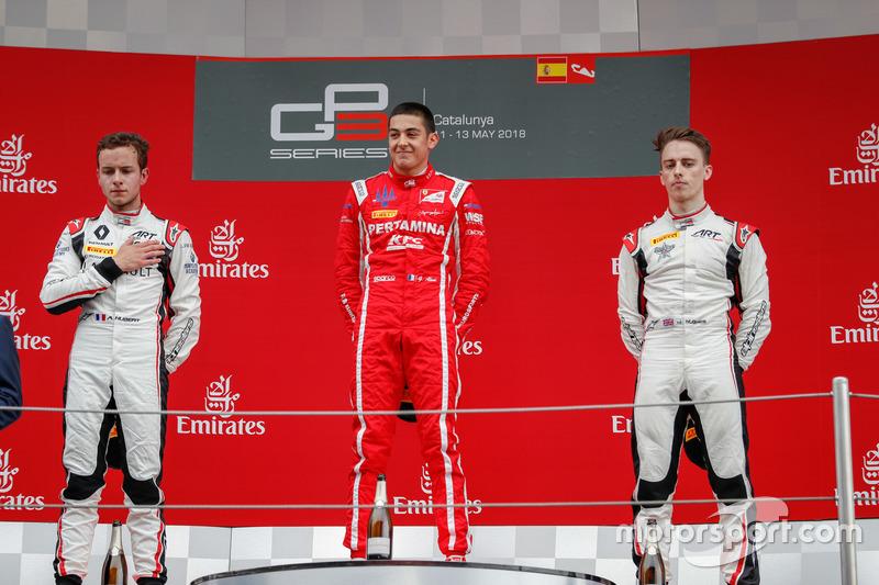 Il secondo classificato Anthoine Hubert, ART Grand Prix, il vincitore della gara Giuliano Alesi, Trident, il terzo classificato Jake Hughes, ART Grand Prix