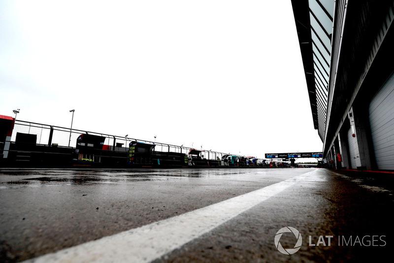 Траса під дощем