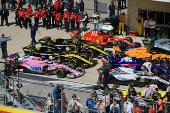 Nico Hulkenberg, Renault Sport F1 Team and Sergey Sirotkin, Williams Racing in parc ferme