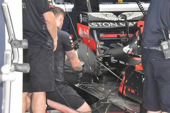 Vue détaillée du fond plat arrière de la Red Bull Racing RB14