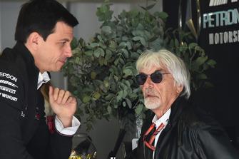 Toto Wolff, Mercedes AMG F1 Director of Motorsport and Bernie Ecclestone