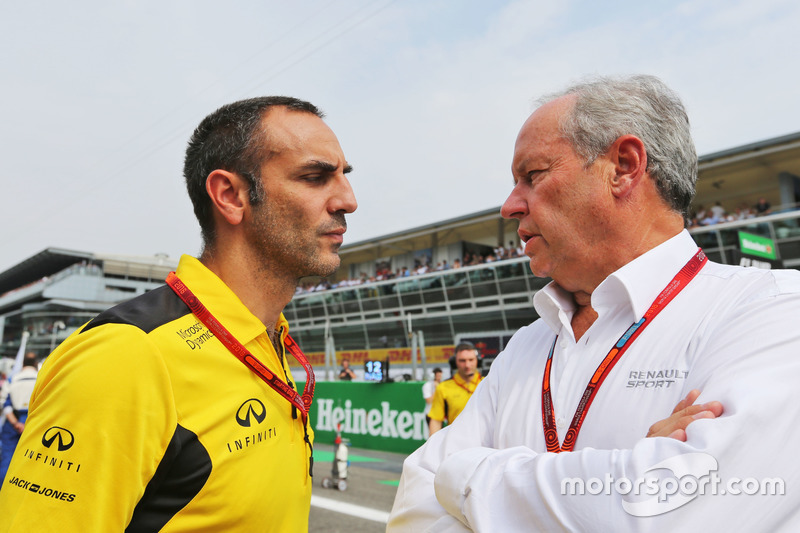 (L to R): Cyril Abiteboul, Renault Sport F1 Managing Director with Jerome Stoll, Renault Sport F1 President on the grid