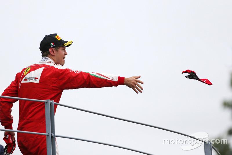 Podio: Sebastian Vettel, Scuderia Ferrari