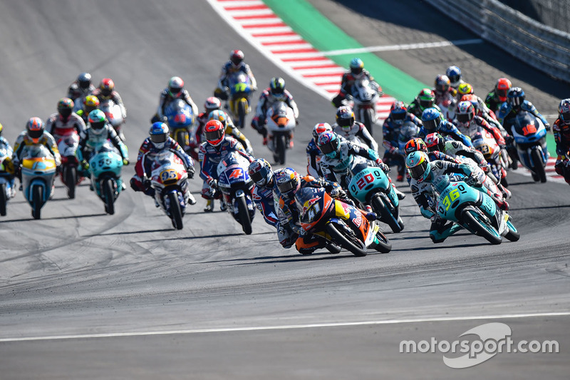 Brad Binder, Red Bull KTM Ajo leads at the start of the race