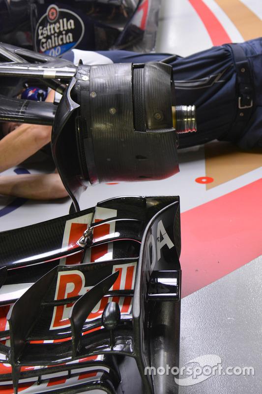Scuderia Toro Rosso STR11, brakes