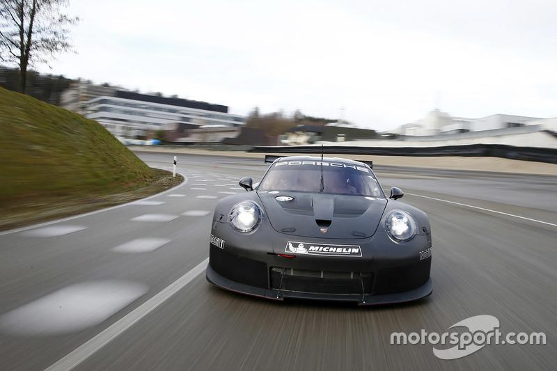 Rollout vom 2017er Porsche GTE/GTLM in Weissach