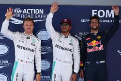 Pole position para Lewis Hamilton, Mercedes AMG F1 W07 , segundo puesto de Nico Rosberg, Mercedes AM