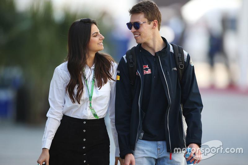 Даниил Квят со своей девушкой Келли Пике