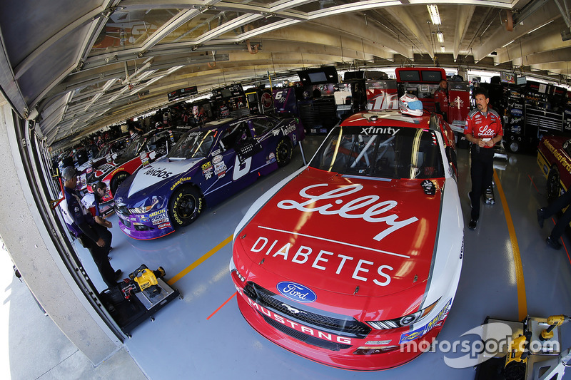 Ryan Reed, Roush Fenway Racing, Ford; Darrell Wallace Jr., Roush Fenway Racing, Ford