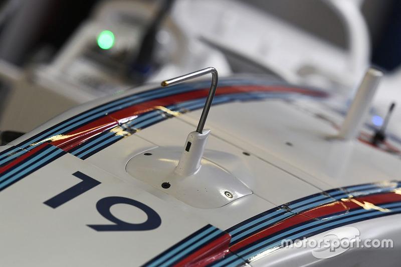 Williams FW40, Nase, Detail