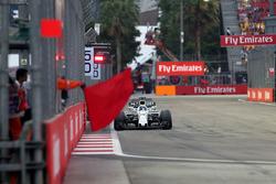 Felipe Massa, Williams FW40 and Marshal waves a red flag