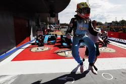 Le vainqueur Arjun Maini, Jenzer Motorsport