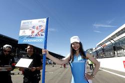 Grid girl of Rob Huff, All-Inkl Motorsport, Citroën C-Elysée WTCC