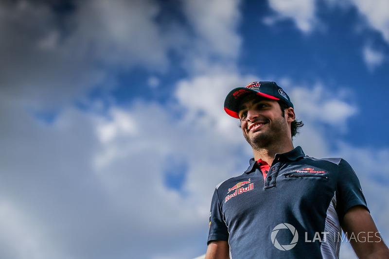 Карлос Сайнс-мол., Scuderia Toro Rosso