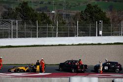 Jolyon Palmer, Renault Sport F1 Team RS17 detenido en el circuito