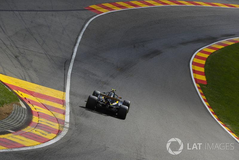12. Карлос Сайнс, Renault — 30