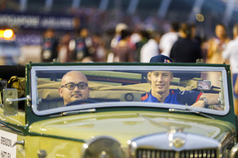 Brendon Hartley, Toro Rosso, on the drivers' parade