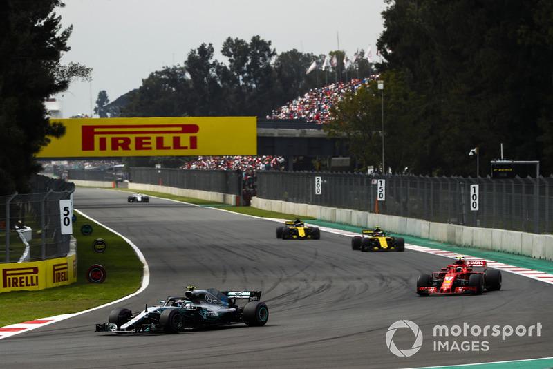 Valtteri Bottas, Mercedes AMG F1 W09 EQ Power+, Kimi Raikkonen, Ferrari SF71H, Carlos Sainz Jr., Renault Sport F1 Team R.S. 18, y Nico Hulkenberg, Renault Sport F1 Team R.S. 18