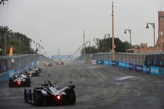 Sam Bird, Envision Virgin Racing, Audi e-tron FE05 chases the pack