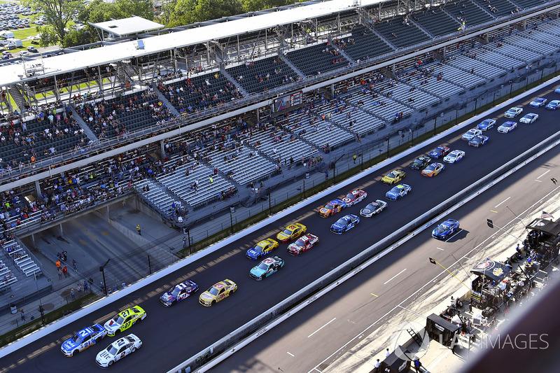 Ryan Blaney, Wood Brothers Racing Ford, Brad Keselowski, Team Penske Ford