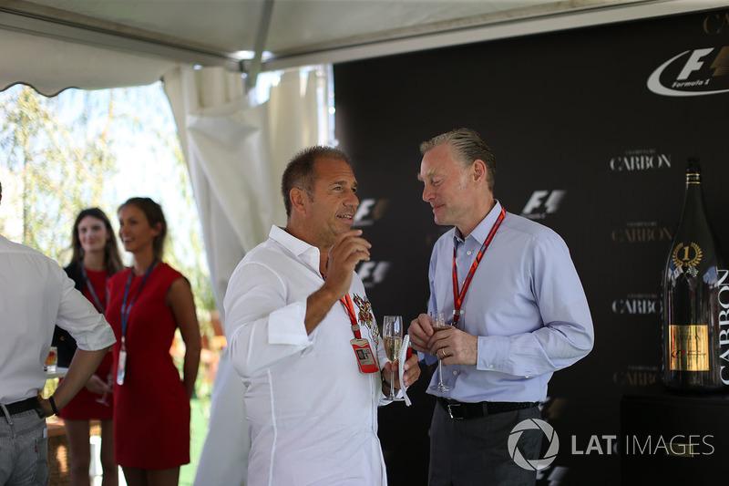 Kai Ebel, RTL y Sean Bratches, Formula One Managing Director Comercial en la Carbon Champagne reception