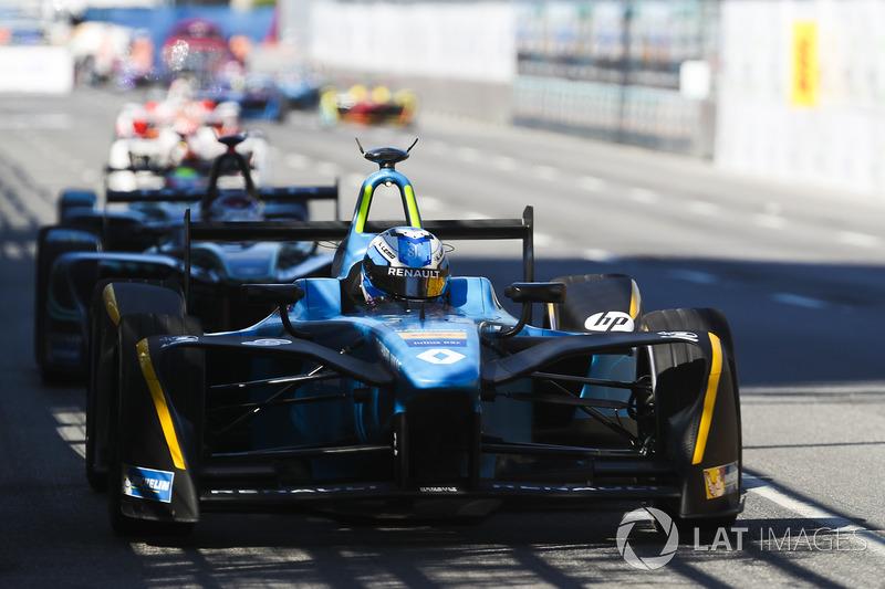 Renault e.Dams усилиями Буэми, Гасли и Николя Проста – последний набрал очки на всех этапах – в третий раз подряд выиграла командный титул