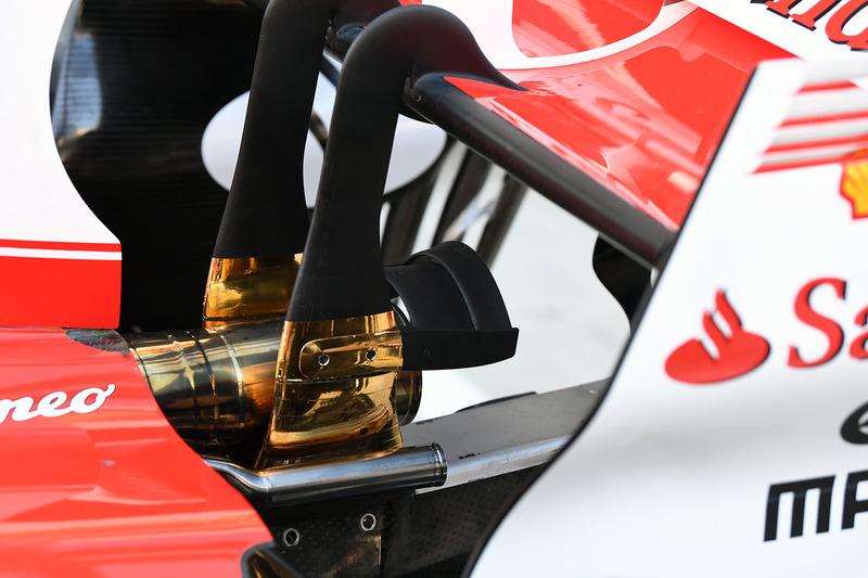 Ferrari SF70H detalle escape