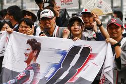 Des fans de Romain Grosjean, Haas F1 Team