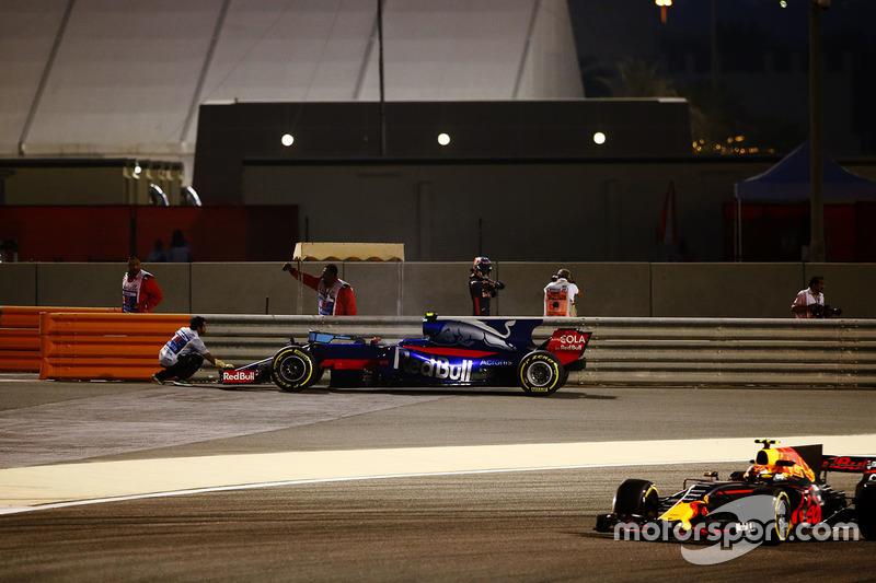 Defekt: Carlos Sainz Jr., Toro Rosso STR12