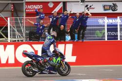 Подиум: победитель Маверик Виньялес, Yamaha Factory Racing